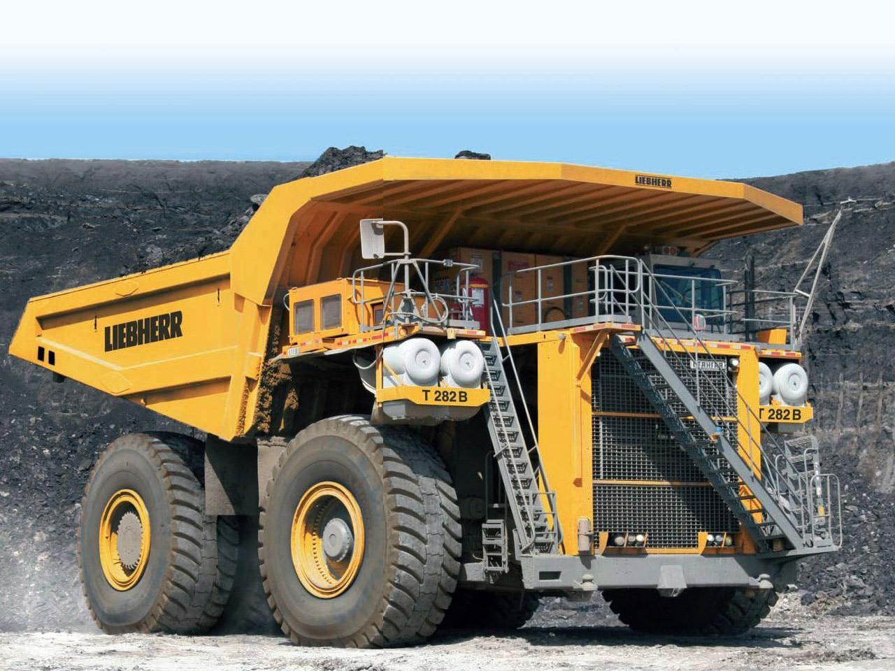 LIEBHERR T 282B : أكبر ماكنة شاحنة- على وجه الأرض