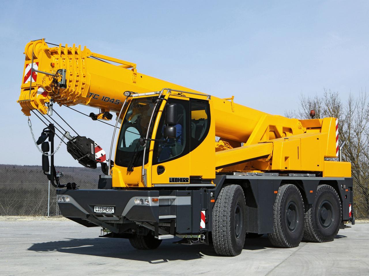 Mobile Crane Machine : Liebherr ltc